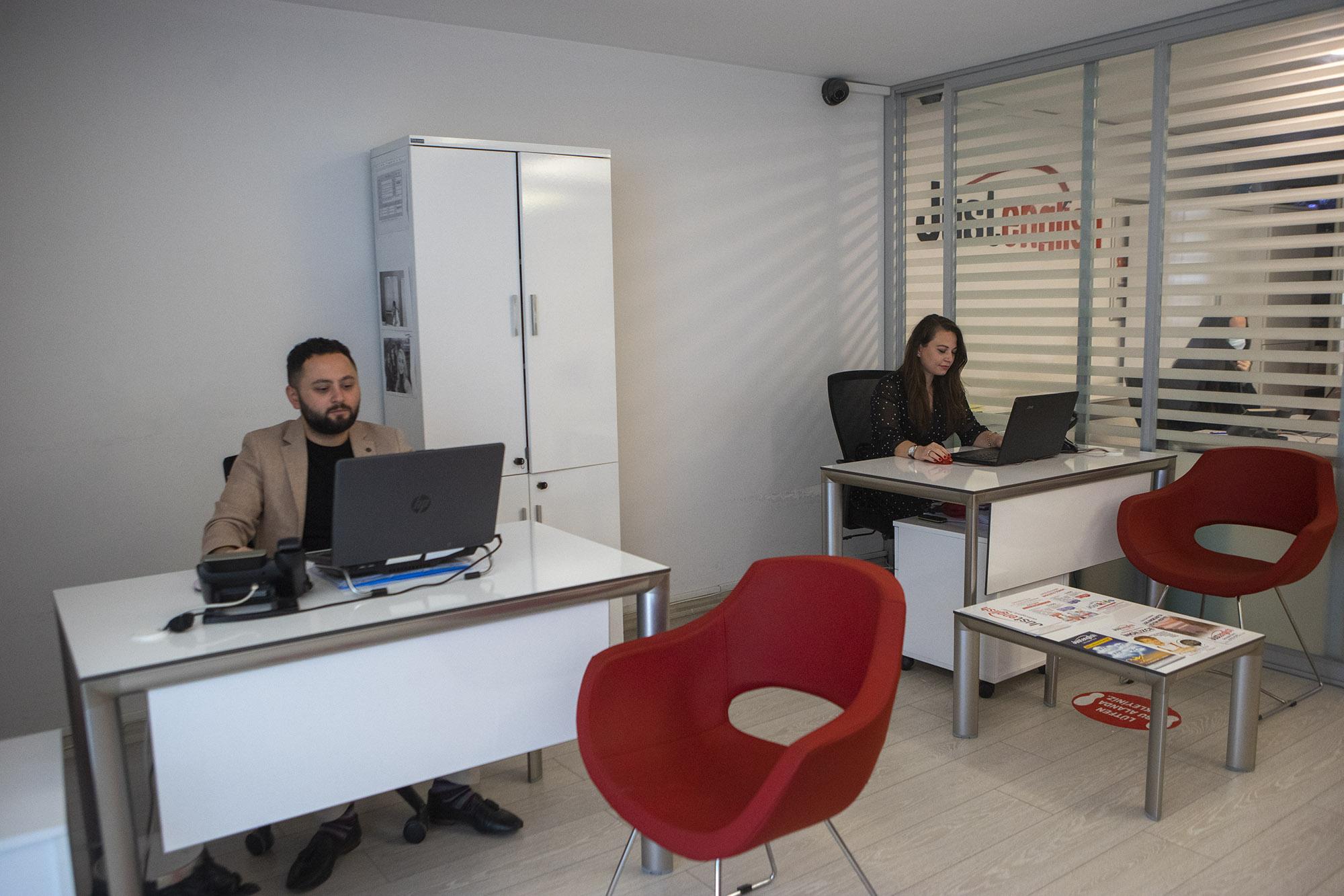Just English Dil Okulları Bursa/FSM Bulvarı Şubesi